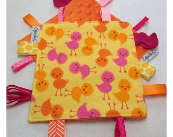 Bird tag toy, sensory crinkle toy, baby crinkle paper, crinkle tag toy, chick baby, farm baby toy, bird baby toy