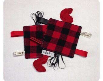 Buffalo plaid tag toy, sensory toy, baby crinkle paper, crinkle tag toy, plaid baby toy, buffalo plaid baby