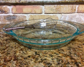 Vintage Pyrex Clear Green Tint Large Handled Deep Dish 9.5 inch Pie Plate or Pan #229 with Fluted or Crimped Edge and Large Handles USA & Vintage Pyrex Pie Plate With Handles Clear Glass Deep Dish