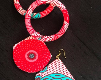 Pinky - is a set of African print waxed jewellery