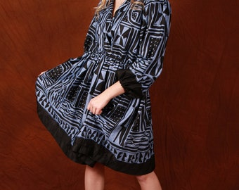 Classic, Elegant Bami print dress Tea- lenght