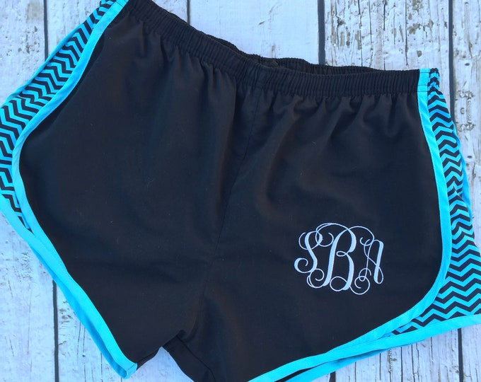 Monogrammed Women's Tempo look Shorts