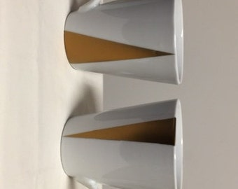 Gold triangle mug sets
