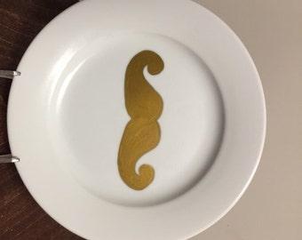 Mustache plate set