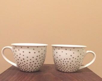 Small gold polka dot mug set