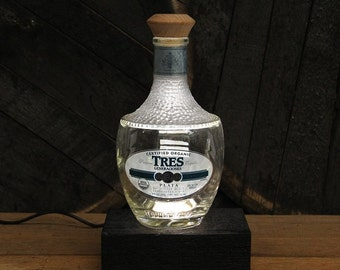 Tres Tequila Bottle LED Light / Reclaimed Wood Base & LED Desk Lamp / Handmade Tabletop Lamp / Upcycled Liquor Bottle Lighting / Custom