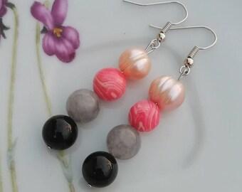 Multi gemstone earrings, black onyx earrings, gray quartz earrings, light pink freshwater pearls earrings, handmade jewel, colorful earrings