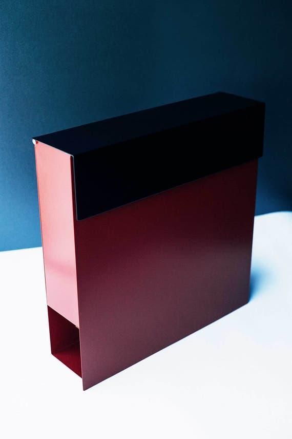 rouge bo te aux lettres moderne avec couvercle noir bo te aux etsy. Black Bedroom Furniture Sets. Home Design Ideas