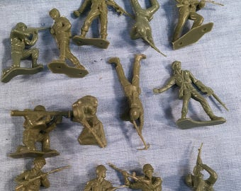 American WWII Soldier Lot of 1960s 60mm Olive Green Plastic WW2  Figures MPC? Tim-Lee? Marx?