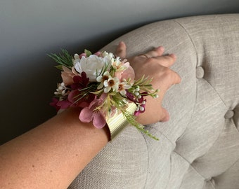 Flower Gold Cuff Bracelet, Gold Cuff Bracelet with Flowers, Floral Gold Cuff, Wrist Corsage, Bridal Cuff, Bridal Bracelet, Gold Cuff, Prom