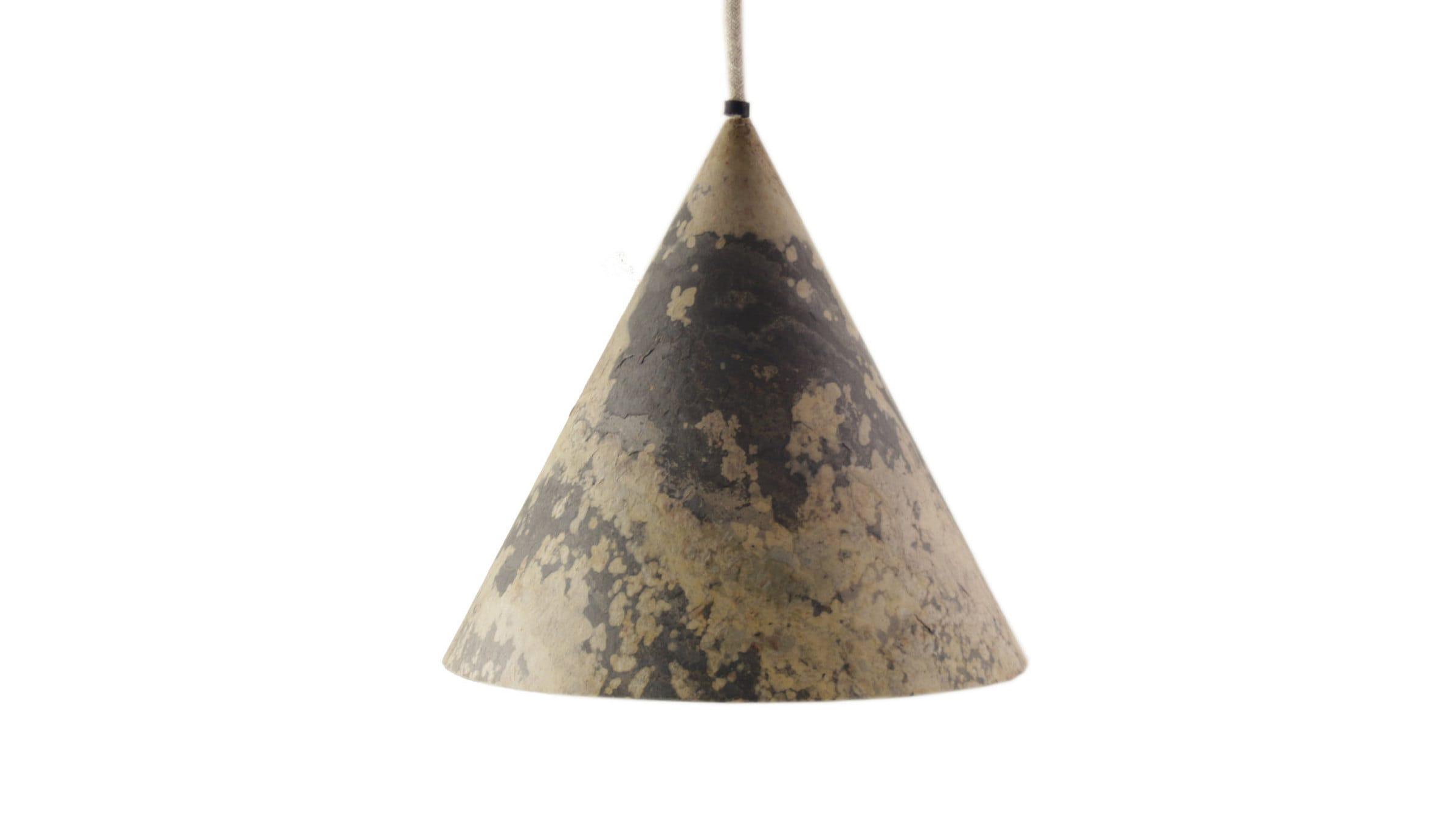 "Feuille De Pierre Stoneleaf portable lamp ""somba"" stone leaf"