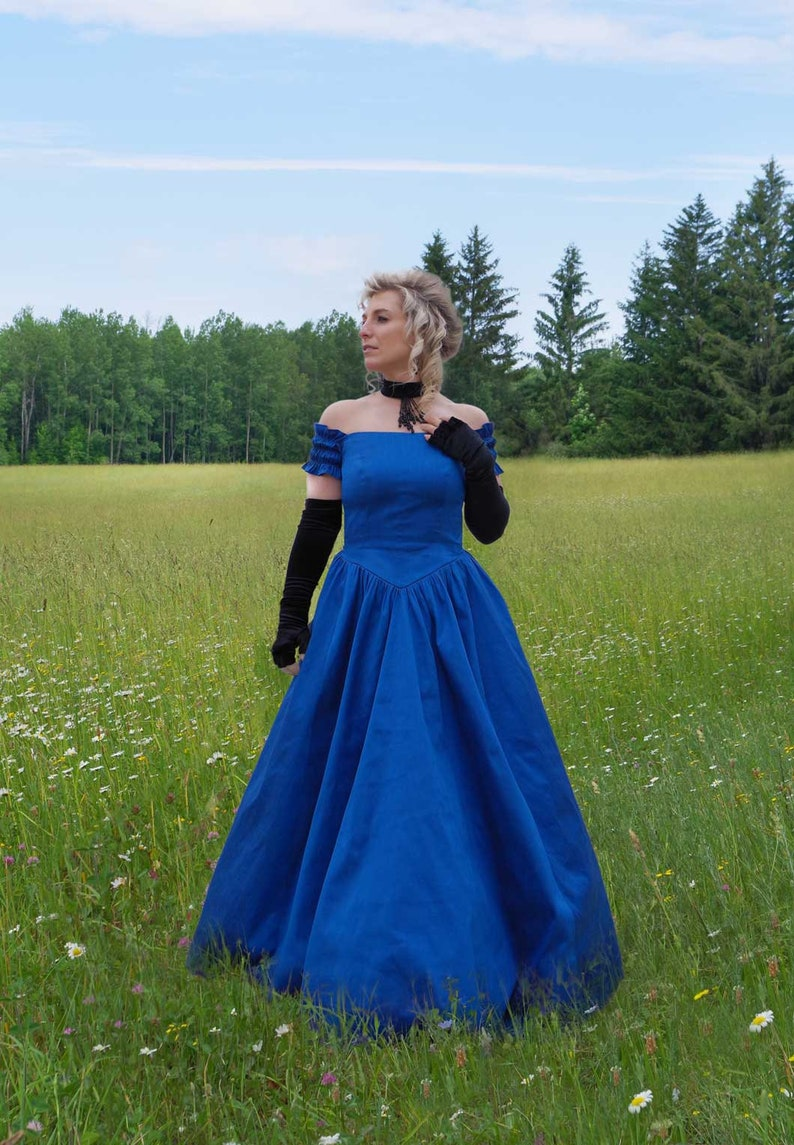 Victorian Dresses | Victorian Ballgowns | Victorian Clothing Chantelle Victorian Ball Gown $165.00 AT vintagedancer.com