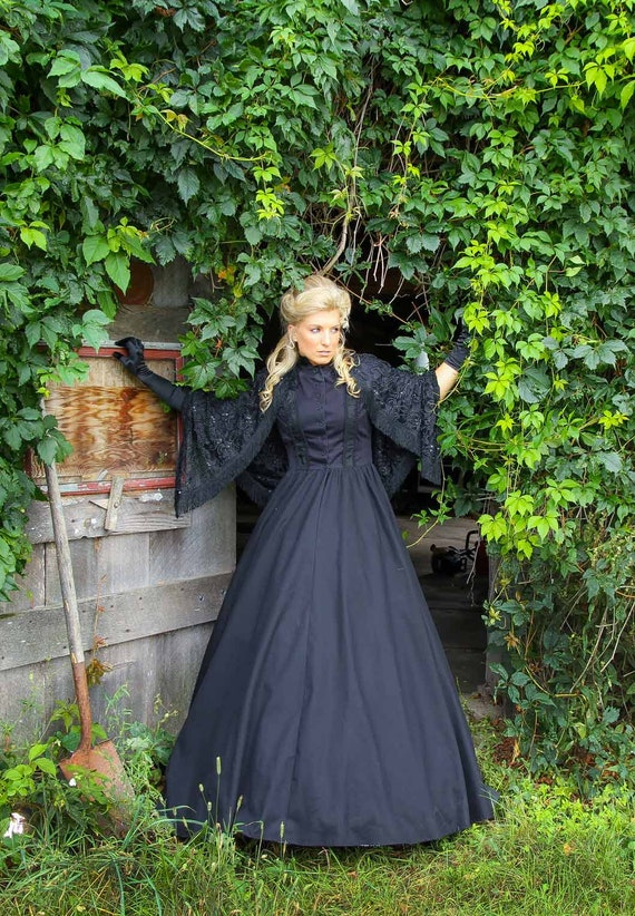 Victorian Dresses | Victorian Ballgowns | Victorian Clothing Helena Halloween Steampunk Dress $199.95 AT vintagedancer.com
