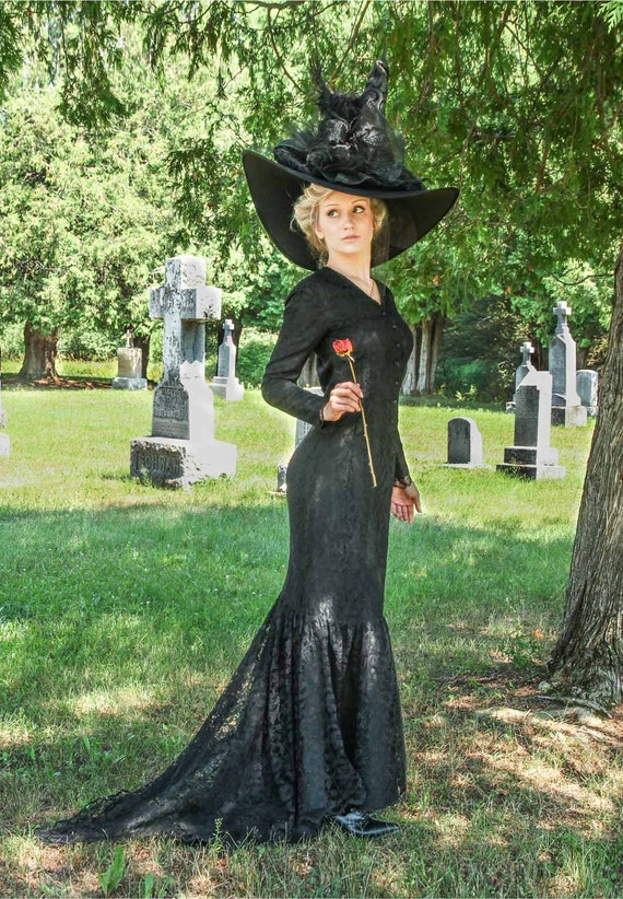1900 Edwardian Dresses, Tea Party Dresses, White Lace Dresses Morticia Halloween Steampunk Lace Dress $224.96 AT vintagedancer.com