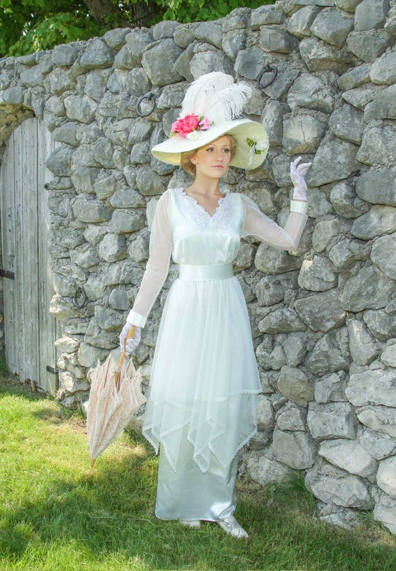1900 Edwardian Dresses, Tea Party Dresses, White Lace Dresses 1910s Jewell Edwardian Dress $219.95 AT vintagedancer.com