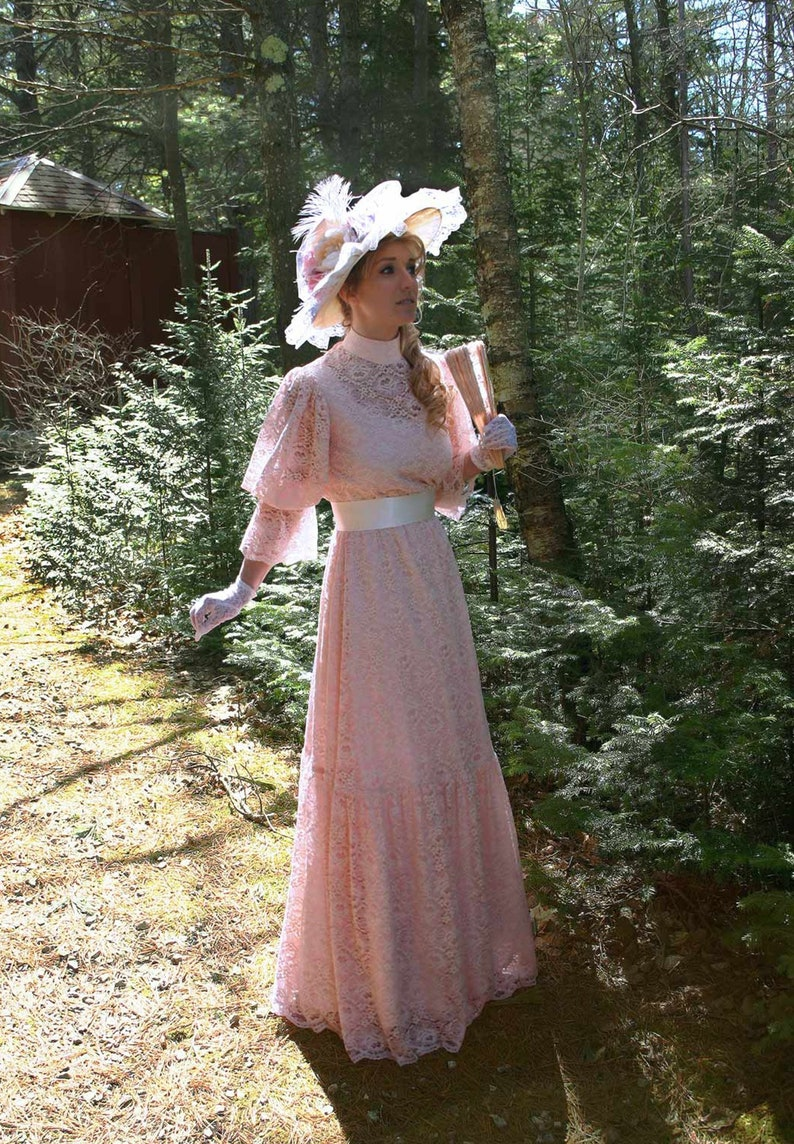 1900 Edwardian Dresses, Tea Party Dresses, White Lace Dresses Annika Edwardian Lace Gown $183.96 AT vintagedancer.com