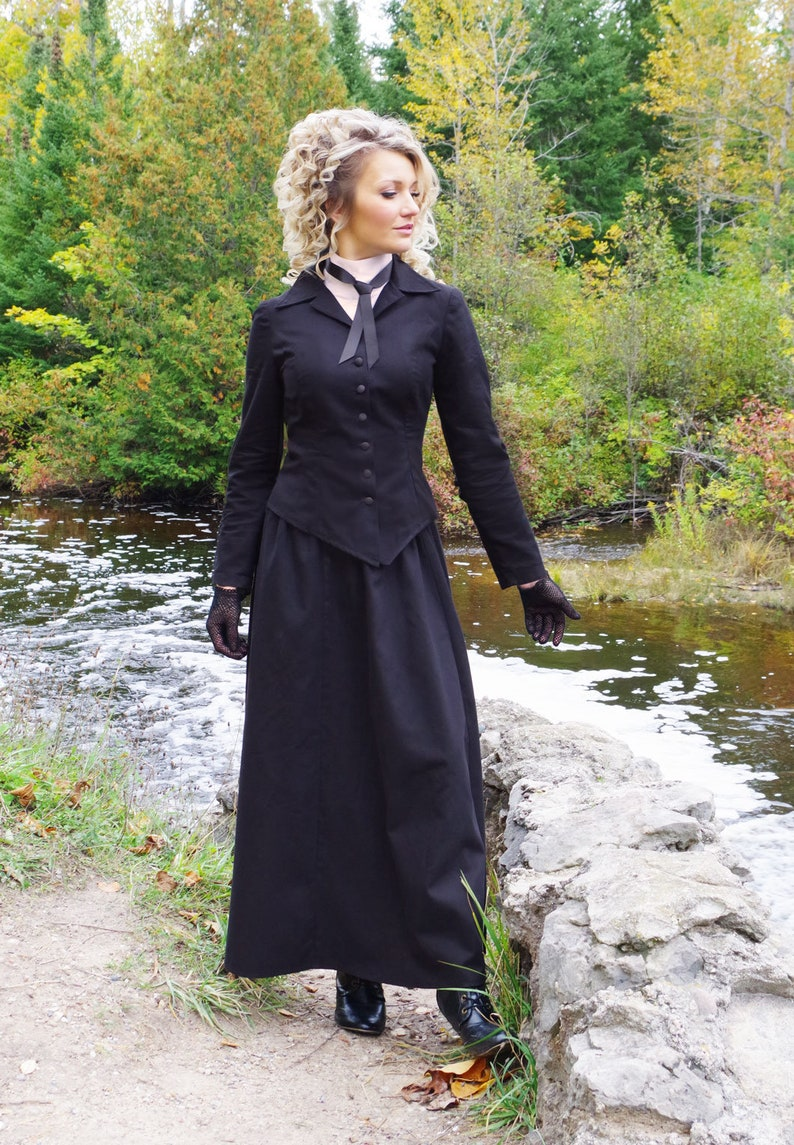 1900 -1910s Edwardian Fashion, Clothing & Costumes Vivia Vintage Style Twill Suit $189.95 AT vintagedancer.com
