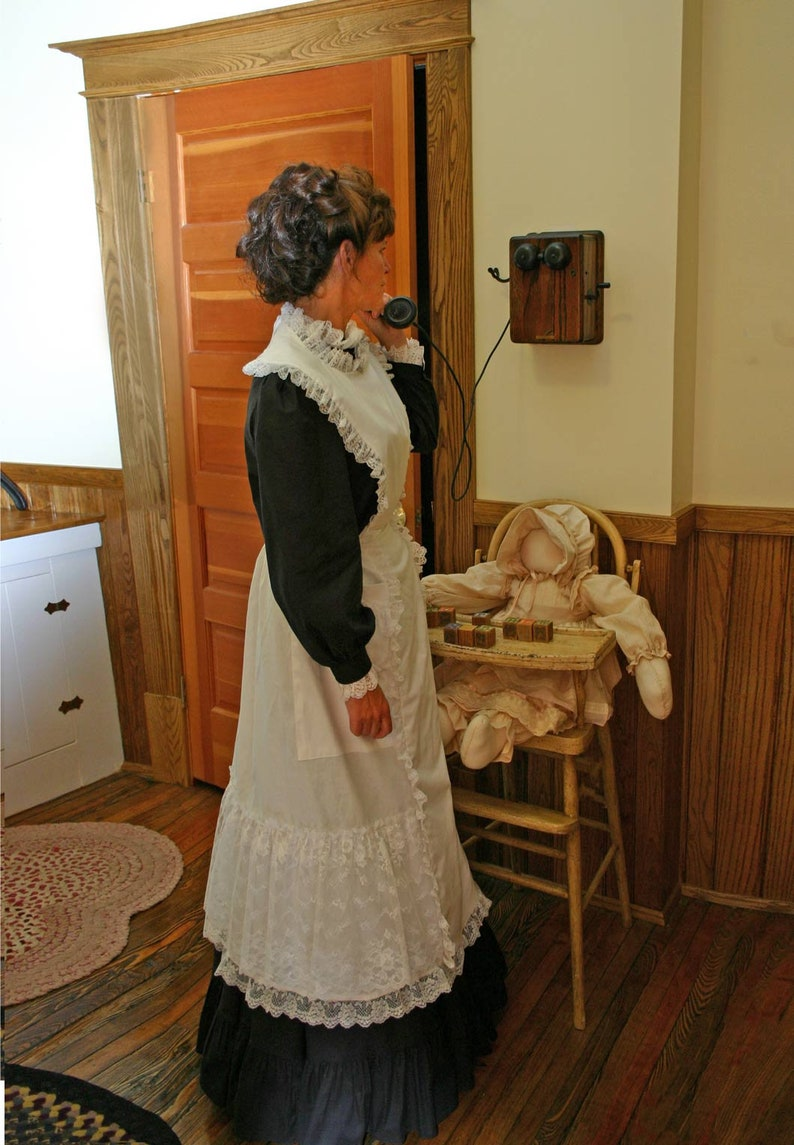 Vintage Aprons, Retro Aprons, Old Fashioned Aprons & Patterns Victorian Edwardian Apron $99.95 AT vintagedancer.com