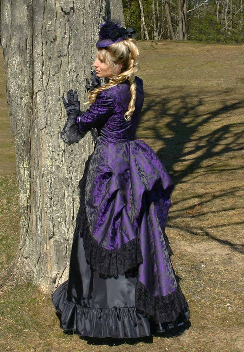 Victorian Dresses | Victorian Ballgowns | Victorian Clothing     Read the full title    110200-190502-3 Henrietta Victorian Polonaise and Skirt $269.95 AT vintagedancer.com