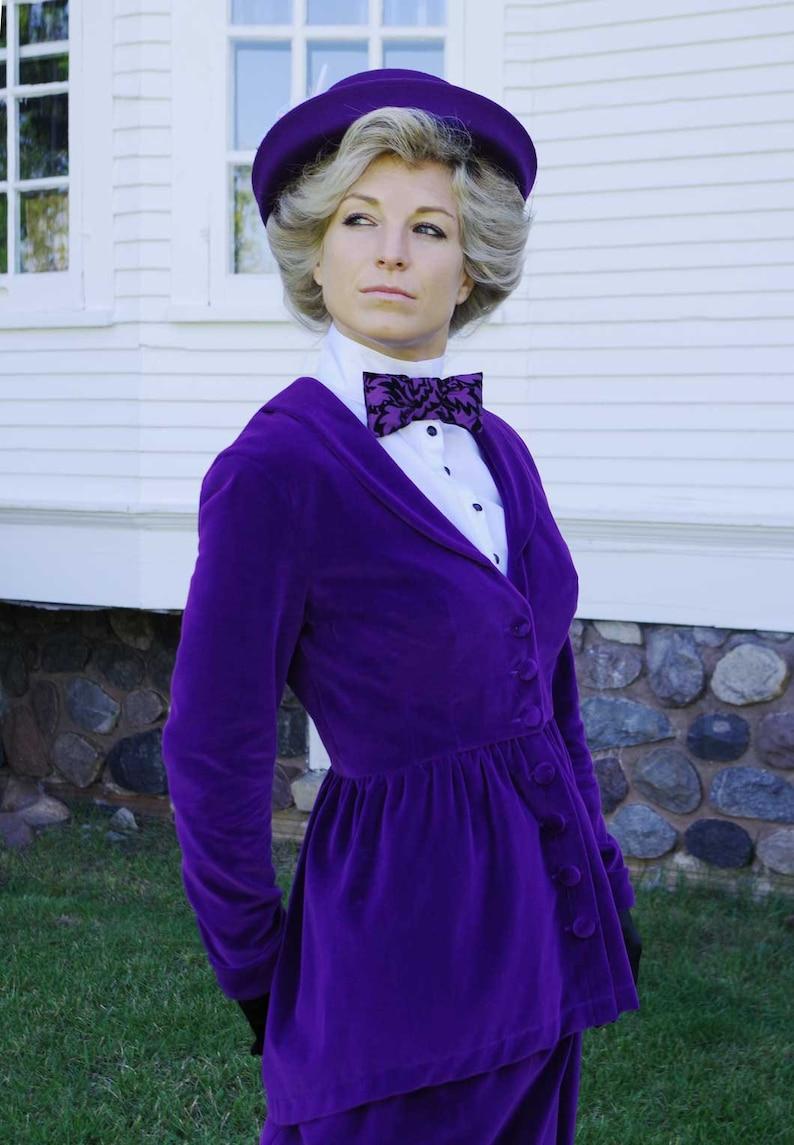 1900 -1910s Edwardian Fashion, Clothing & Costumes     Read the full title    Meredith Edwardian Velvet Suit $329.95 AT vintagedancer.com