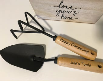 Mothers Day Gift | Unique Gifts for Women | Gardener Gift | Gift for Her | Mom Gifts | Gifts for Mom | Mother | Engraved Trowel & Cultivator