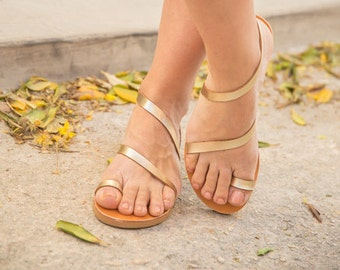 Leather Greek Sandals,Handmade Leather Sandals,Black Leather Sandal,Toe Ring Sandals,Women Sandals,Strappy Sandals,Flat Sandals,Summer Shoes