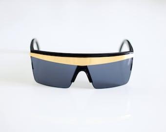95e7270db5d4 GIANNI VERSACE Vintage 90s Sunglasses mod. UPDATE 676