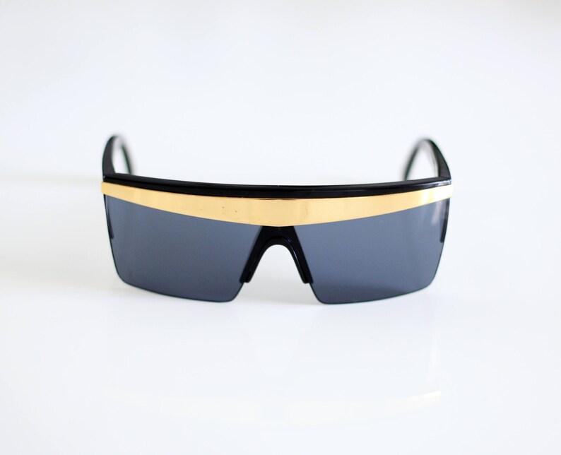 4aa70a2ee1 GIANNI VERSACE Vintage 90s Sunglasses mod. UPDATE 676