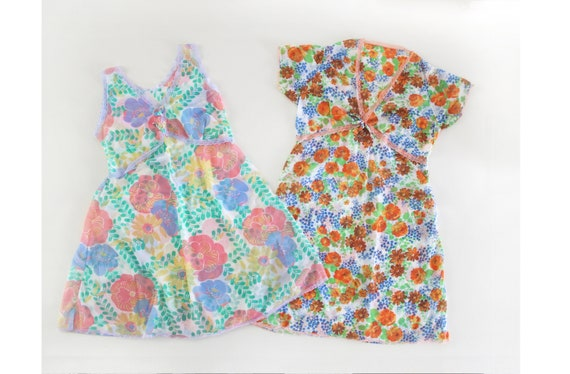 70s Vintage Pair of Flirty Floral Camisole Lace Ni