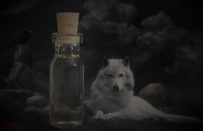WOLF SPIRIT ANIMAL Totem Oil, Spirit Animal Oil, Spell Oil, Ritual Oil,  Anointing Oil, Wicca, Witchcraft, Pagan, Occult