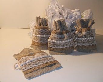 Pearl and laced themed linen gift/treat bags (set of 6)