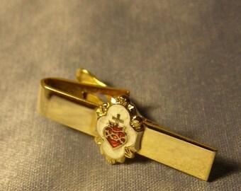 52aa10b4e399 SACRED HEART Tie Clip w Enamel on gold Finish - vintage Religious, Roman  Catholic, Divine Heart Tie Bar, mens Fashion, Communion Jewelry