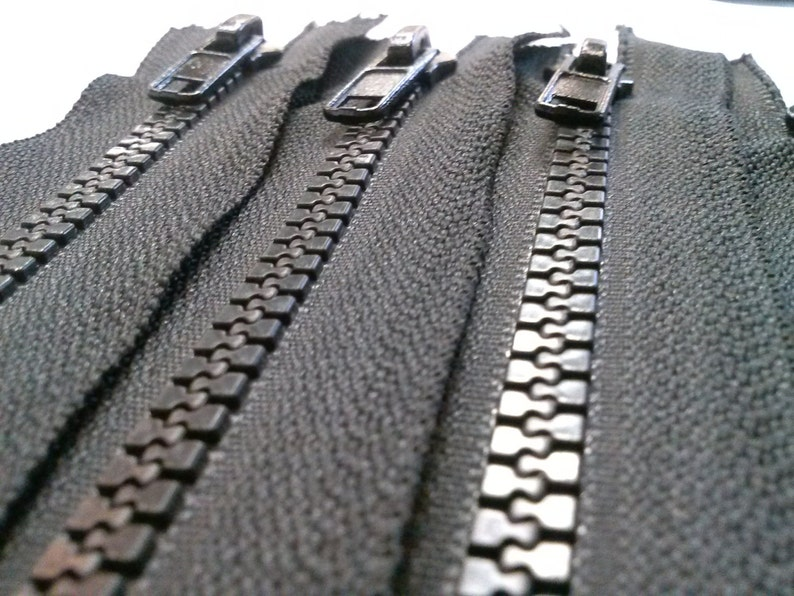 5 zippers 5 Black Molded Plastic Zippers 10 Inches 5mm Closed Bottom