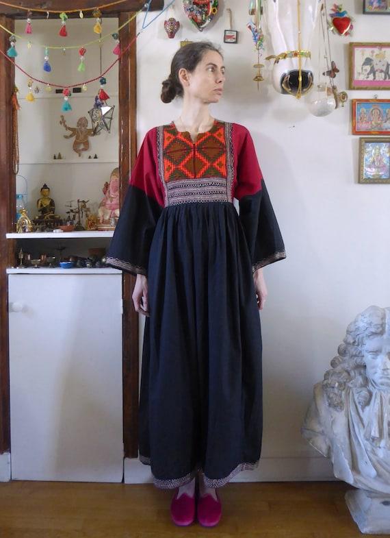 Vintage afghani embroidered dress folk hippie size