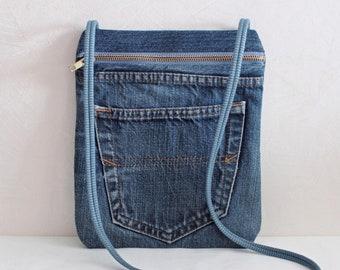 406dc7aafd Pochette laniere Pochette Jeans bleu Petite pochette a documents Sac  pochette Voyage pochette Cadeau pour femme Cadeau fille ete