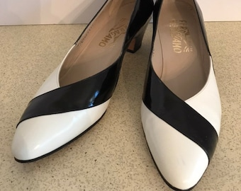 a5152c5bbbd Black and white spectator pumps   Etsy