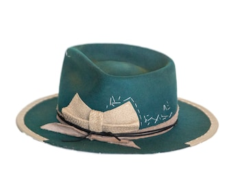 ILE DESERTE - wool / rabbit felt fedora - vitage look distressed hat