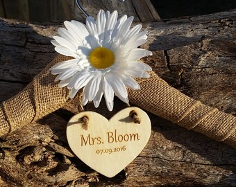 Custom Bride Name Hanger, Daisy Bridal Shower Gift