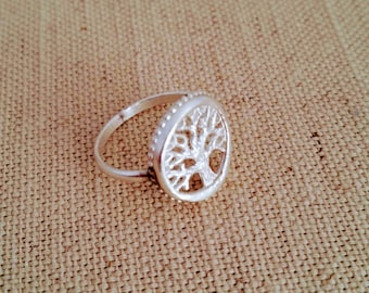 Sterling Silver Tree of Life Ring. Size 7 1/2.