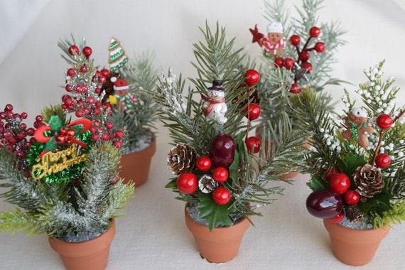 Christmas Flower Pots.Christmas Miniature And Small Flower Pots With Miniature And Small Artificial Flowers