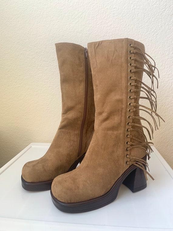 Sz 8.5 Fringe Platform Vegan Suede Tan Grommet Tall Boots 90s Cowgirl Bratz Western Boots Y2K Splash Boots Britney Style Women's 8.5