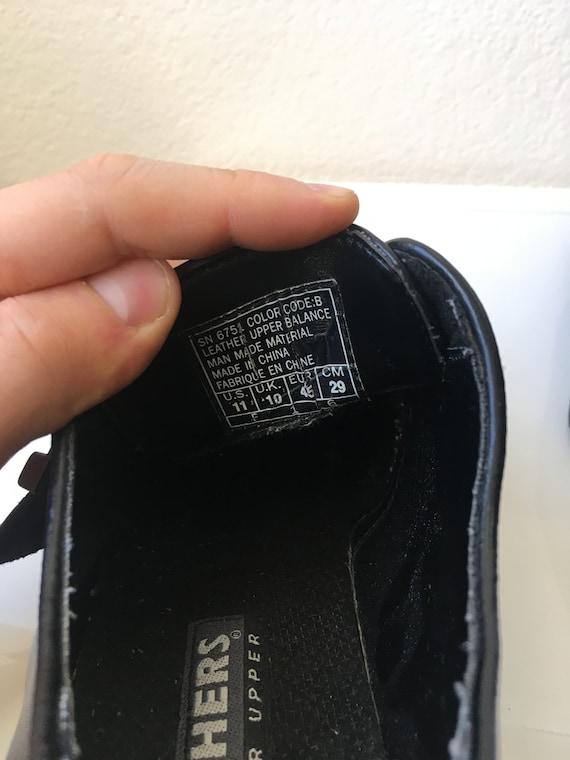 Herren 11 Skechers klobige Schnalle schwarz Leder Halbschuhe 90er Jahre Plattform Grobstrick Oxfords Creeper Schuhe Sneakers Silber Schnalle