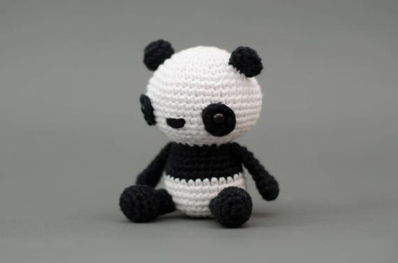 Ähnliche Artikel wie Puko der Panda - Häkelanleitung Deutsch auf Etsy