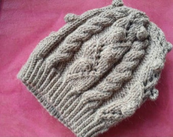 Made-to-Order Gwen Stacy inspired slouchy beanie - Amazing Spiderman beanie