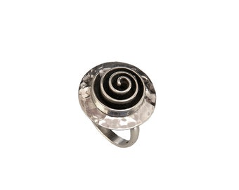 Boho disc swirl ring, sterling silver hammered circle ring, geometric jewelry on sale