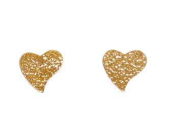 Heart stud earrings, heart earrings, gold heart earrings, brass heart earrings, minimalist earrings, hammered jewelry, gold studs