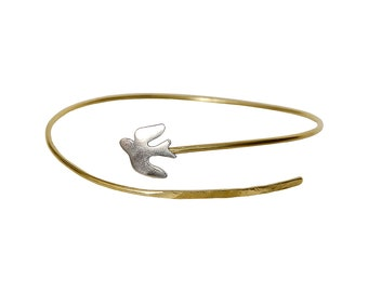 Dainty bird bracelet, swallow bracelet, gold bird bracelet, silver gold bracelet, silver swallow, bird watcher gift, swallow bangle