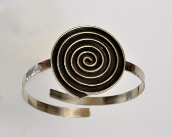Large silver or gold disc cuff bracelet, cirlce geometric open bangle, Greek spiral chunky hammered cuff bracelet
