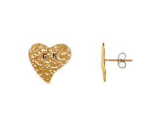 Gold heart custom stud earrings, initial  15 mm letter post hearts, personalized alphabet jewelry, valentines gift