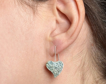 Sterling silver heart  hammered earrings, silver dangle drop  hearts,  silver heart jewelry, romantic gift